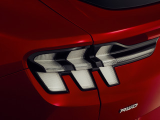 fordmustangmachedetails23.jpg