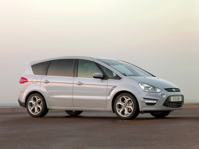 Ford S-MAX (2010) - Foto eines Ford PKW-Modells