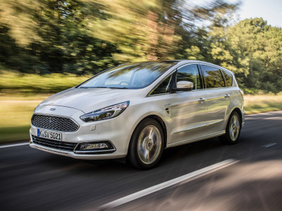 Ford S-MAX Vignale (2016) - Foto eines Ford PKW-Modells
